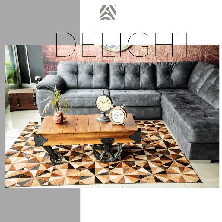 Tapete decorativo African-Leather Ref Daka Cafe. Este es uno de los muchos diseños que te damos para que tu puedas personalizarlos. Juega con los colores, diseños y tamaños y crea con nosotros lo que imaginas. African Leather Tapetes. Medellín Colombia. Cowhide rugs. Tapes de cuero en pelo. Cowhide Patchwork Rugs