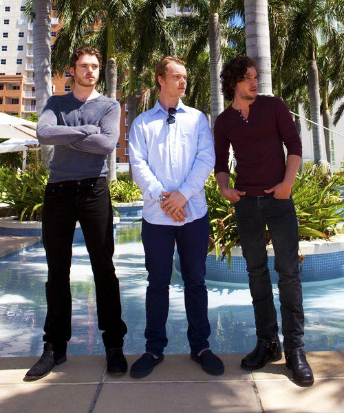 Richard Madden (Robb), Alfie Allen (Theon), Kit Harington (Jon Snow). Can I please switch places with Alfie?
