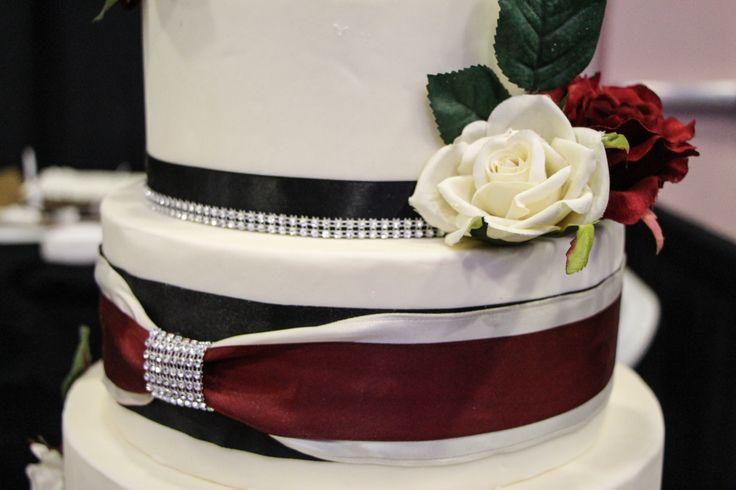 Minah's Cakes #WeddingCakes #WeddingCupCake