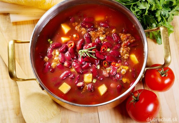 Balkánska fazuľová polievka