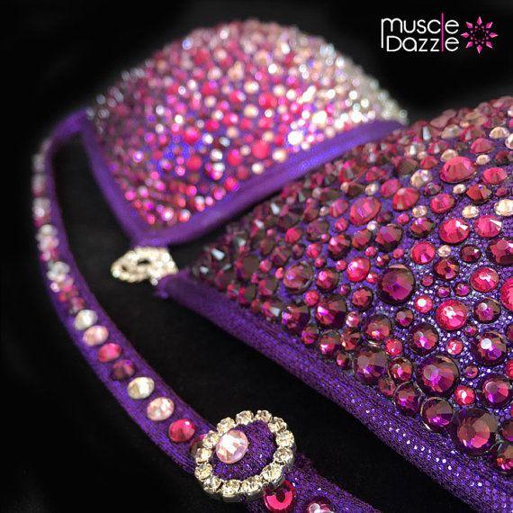 Hoi! Ik heb een geweldige listing op Etsy gevonden: https://www.etsy.com/nl/listing/253973003/purple-crystal-competition-bikini