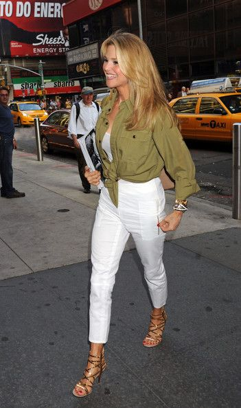 Christie Brinkley Photos Photos Christie Brinkley Out In