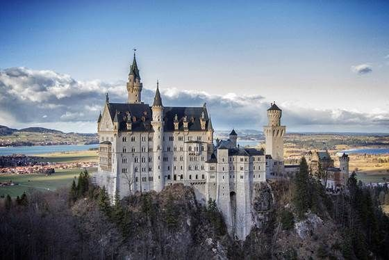 Amazing Castles in Germany - A listing of castles you really shouldn't miss on any visit to Germany. If you can't see them all, at least see one.