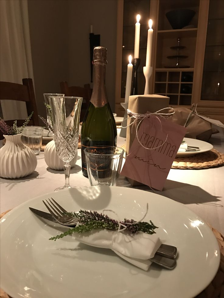 Bordsetning tablesetting lyng giftwrapping prosecco candle
