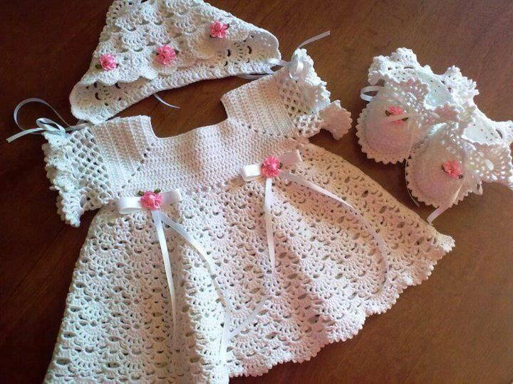 Yakadan kız bebek hırka yapılışı http://www.canimanne.com/yakadan-kiz-bebek-hirka-yapilisi.html