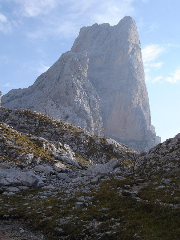Naranjo de Bulnes - Picos de Europa  #asturias, Spain