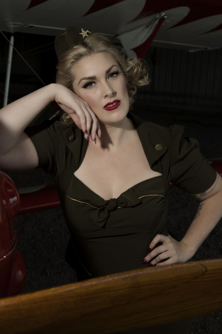Pinup Ruby Rabbit (find her on Facebook) photographed by T.Meesen