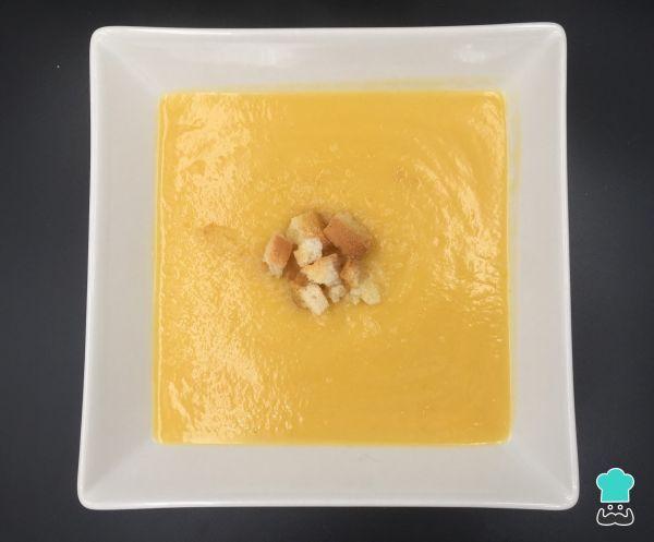 Receita de Creme de couve-flor e cenoura #creme #couveflor #cenoura #abobrinha #caldo #sopa