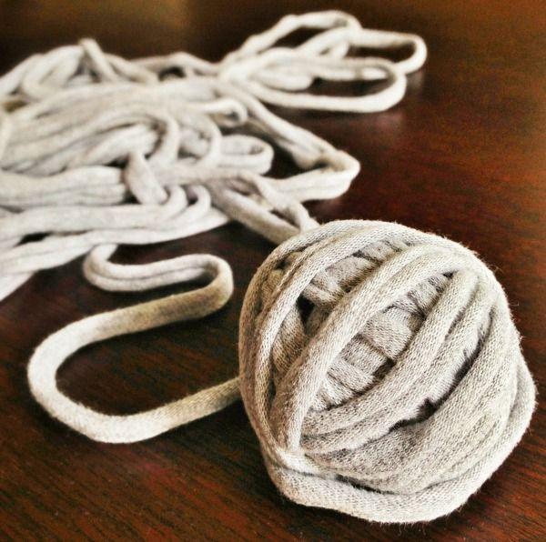 Making T-shirt Yarn makeandtakes.com #crochet #yarn #diy