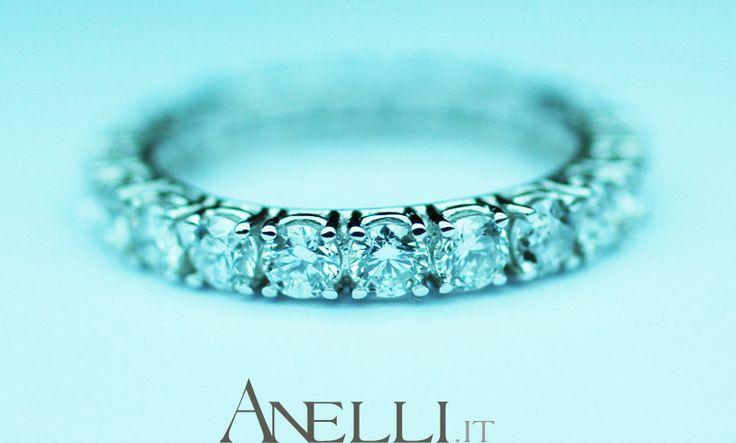 http://www.anelli.it/it/anelli-verette-o-fedine/fedina-a-giro-di-diamanti-2-50-carati-f-vs1.html