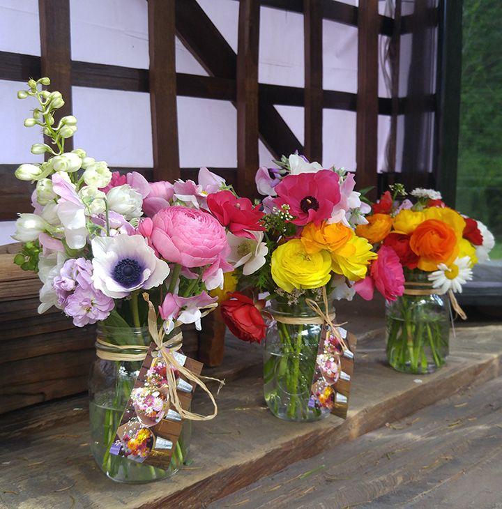 Alchemy Farm Mason Jar Posies created with our farm grown specialty flowers and greens. #masonjarposy #masonjarposies #flowerfarmer #farmstand