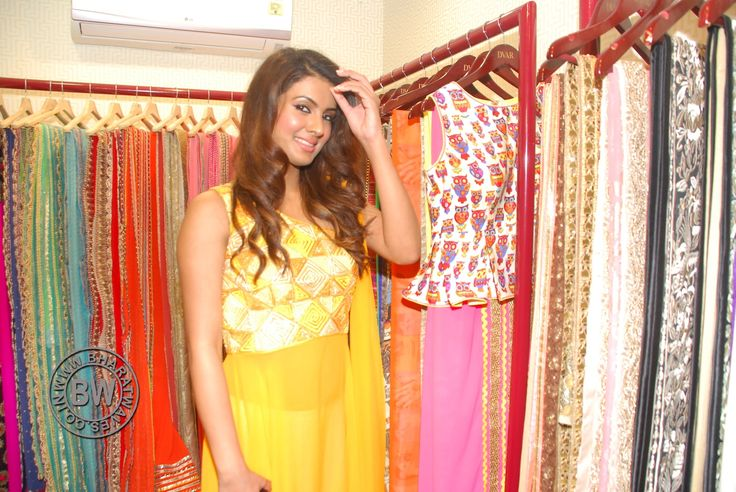 Sara Loren & Geeta Basra At DVAR Photography & Fashion Exhibit