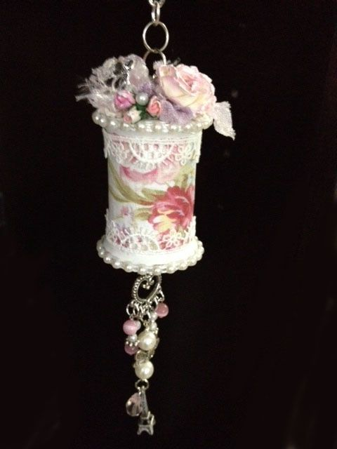 Altered Shabby Chic Spool                                                       …                                                                                                                                                                                 Mehr