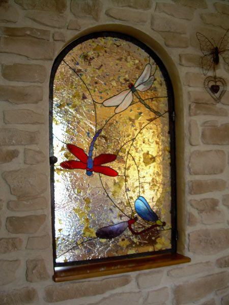 Vitrail decoration galerie vitraux vitrail vitraux for Decoration fenetre vitrail