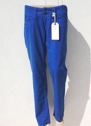 À vendre sur #vintedfrance ! http://www.vinted.fr/mode-femmes/jeans/30807679-pantalon-femme-pepe-jeans-bleu-electric-42-w32