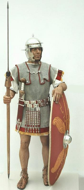 Imperial Roman Army - Armour & arms of an auxiliary soldier similar to the legionary but chain-mail armour and rounded shield, and usually not a Roman citizen.