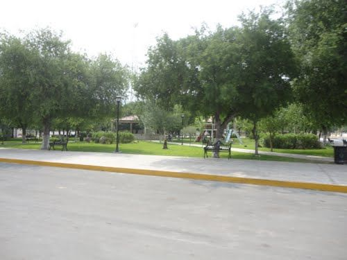 Plaza municipal de villa hidalgo coahuila mexico for Villas universidad torreon