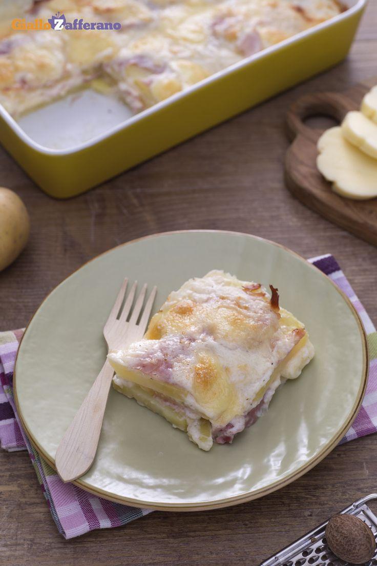 La #parmigiana di #patate (potato parmigiana) fa decisamente al caso vostro se state cercando un piatto unico da acquolina in bocca! #ricetta #GialloZafferano #italianfood #italianrecipe