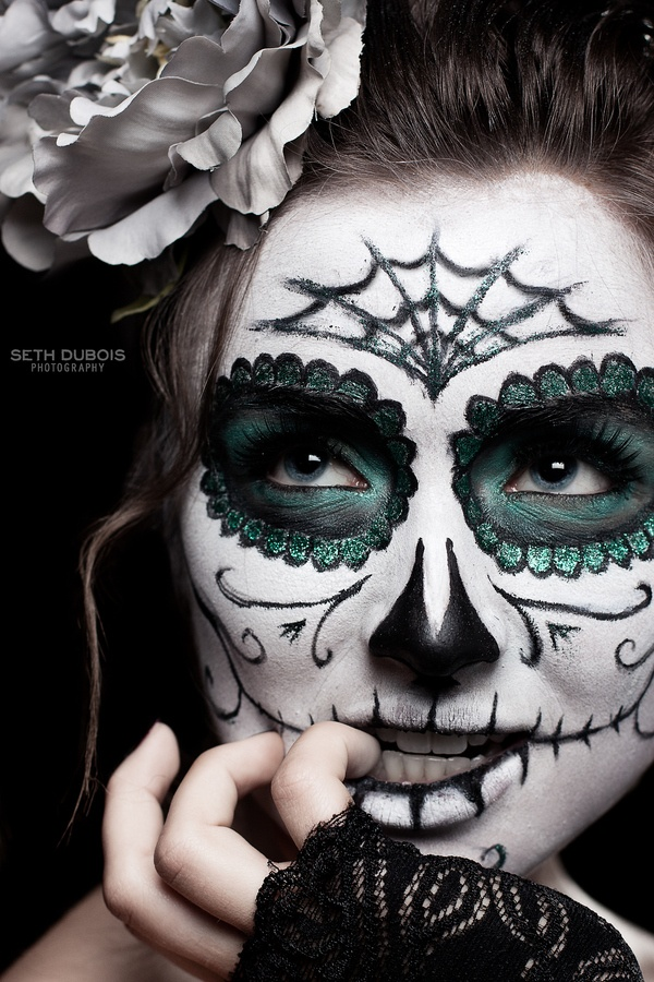 Dia de los Muertos make-up - great eyes