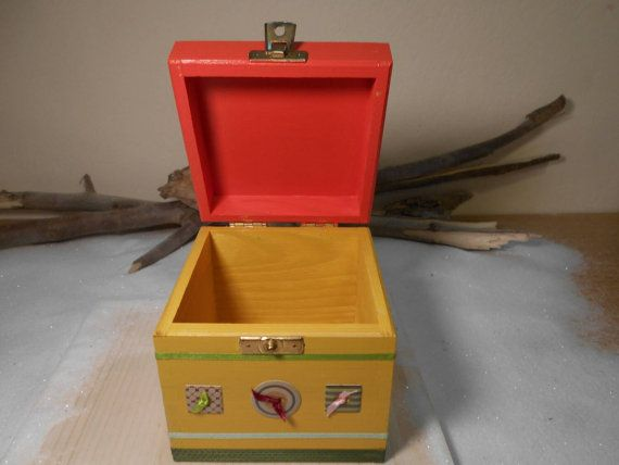 Vintage buttons box Wooden box Cube box Decoration by Zozelarium