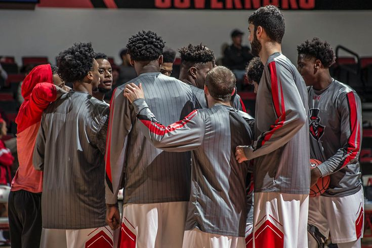 APSU Governors take on Eastern Illinois at the Dunn Center, Saturday
