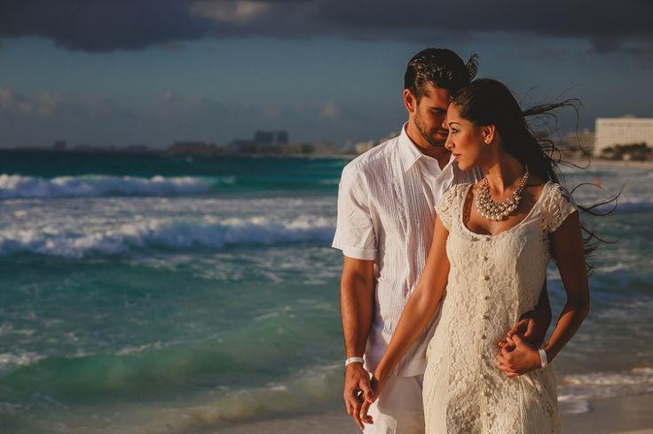Sesión Post Boda - Fotografía trash the dress en Riviera Maya #Novia #Boda #Wedding #Cancun #PlayaDelCarmen