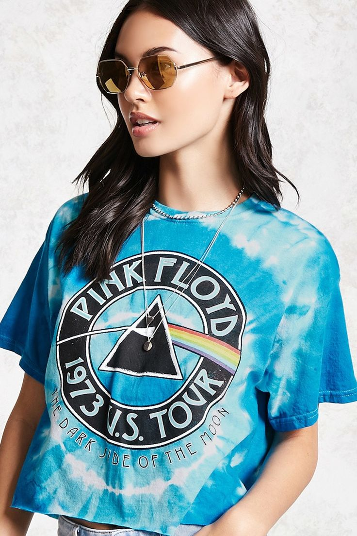 "A knit cropped band tee featuring a crew neckline with ribbed knit detail, ""Pink Floyd 1973 U.S. Tour"" with related ""The Dark Side of the Moon"" graphic on the front, tie-dye wash, raw-cut hem, and boxy silhouette.<p>- Officially licensed product</p>"