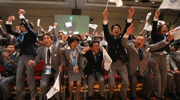 """DEPORTES (D., 8 SEP 2013)       JAPON - TOKIO 2020 """"Construir la infraestructura y dejar atrás Fukushima, retos de Tokio 2020"""" .. Japón deberá construir más de la mitad de las sedes olímpicas, la villa de atletas, renovar el transporte y luchar por daños de Fukushima .."""
