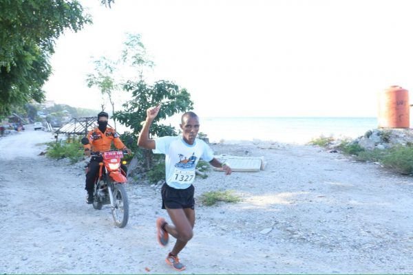 BULUKUMBA,SUARALIDIK.com — Pelari asal Somalia, Hasan Gane akhirnya berhasil menaklukkan rute Bira Beach Run 2017 yang di selenggarakan di kawasan wisata Pantai Tanjung Bira. Sabtu (1/7/17). Pelari asal Somalia,Hasan Gane berhasil menaklukkan puncak Puang Janggo Bira dalam Bira Run 8K...