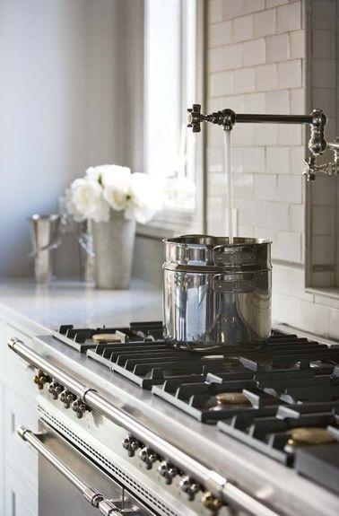 Linda-mcdougald-design-postcard-from-paris-home-interiors-eclectic-dining-room