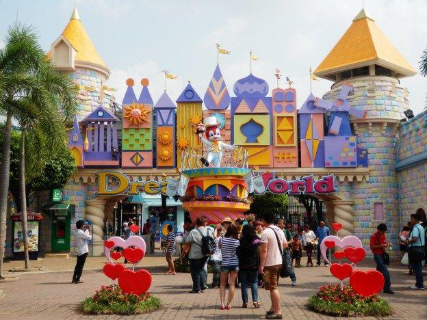 Wilson Family Travel Blog review of the Dreamworld theme park in Bangkok, Thailand