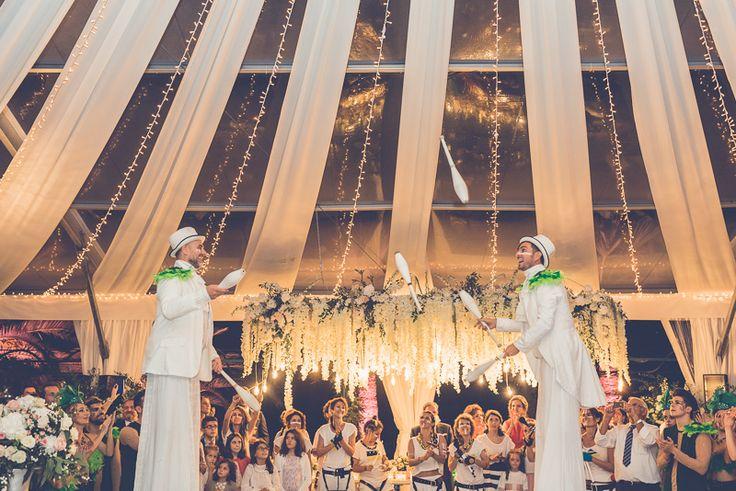 Long-legged amusement in weddings A carnaval wedding