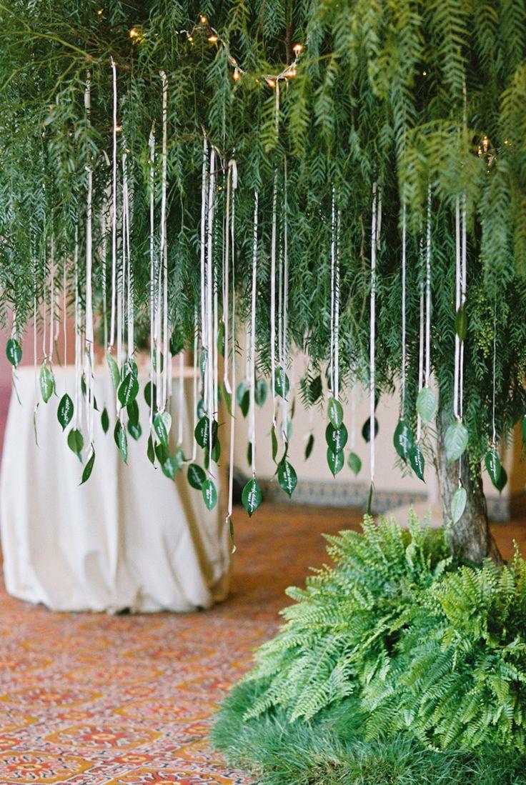 Photography: Braedon Photography - braedonphotography.com Read More: http://www.stylemepretty.com/california-weddings/2015/05/06/boho-glam-summer-wedding-at-ojai-valley-inn/ || 葉っぱのエスコートカードを木の枝に ディスプレイアイデア