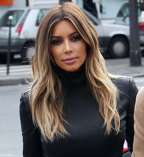 This is the perfect style of blonde balyage highlights on Kim K, I must admit.