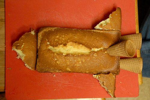 Rocketship cake...ice cream cones...brilliant!
