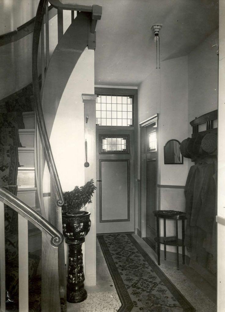 Meer dan 1000 idee n over jaren 39 20 huis op pinterest rondleidingen in huis jaren 39 20 keuken for Schilderen voor gang d