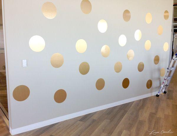 How to DIY a Gold Polka Dot Wall #decor