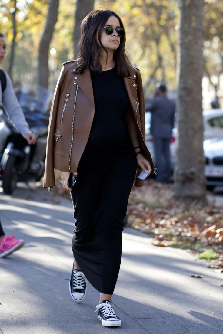 Miroslava Duma rocks the #StreetStyle circuit at #PFW.