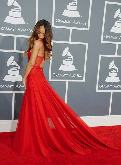 Grammy awards rihanna love the dress :-)