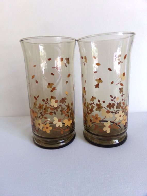 Brown Drinking Glass White Daisies