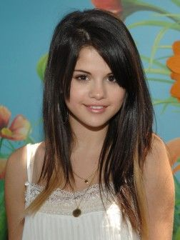 Chic Hairstyles by Selena Gomez   Hairstyles 2016 For short, long ...