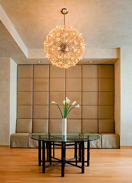 Iridescent Kolcaustico Venetian Plaster finish on all walls and ceilings throughout loft, by Christianson Lee Studios. Interior design by Robin McGarry and Associates. Photo: Bob BensonLiving Room Venetian plaster walls – Christianson Lee Studios Fine Decorative Painting NYC, CT, NJ