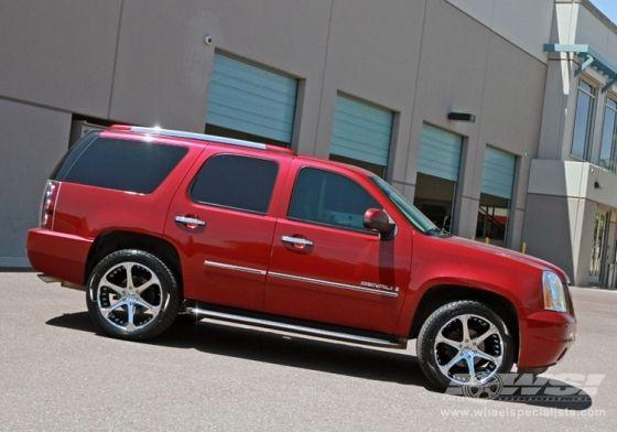 """2010 GMC Yukon/Denali with 22"""" Giovanna Dalar-6V in Chrome wheels"""