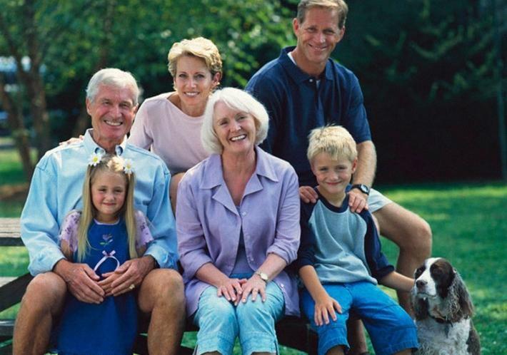 """«ПЛОХОЕ» НАСЛЕДСТВО"""". От родителей нам могут достаться не только хорошее воспитание, красивая внешность и волевой характер, но и целый букет, особенностей нашего организма (увы, не всегда самых выигрышных), которым стоит уделить особое внимание. Общеизвестно, что полученные от родителей гены определяют и наше собственное здоровье. Выяснив, чем болели наши родные мы можем предвидеть как это отразится на нас самих."""