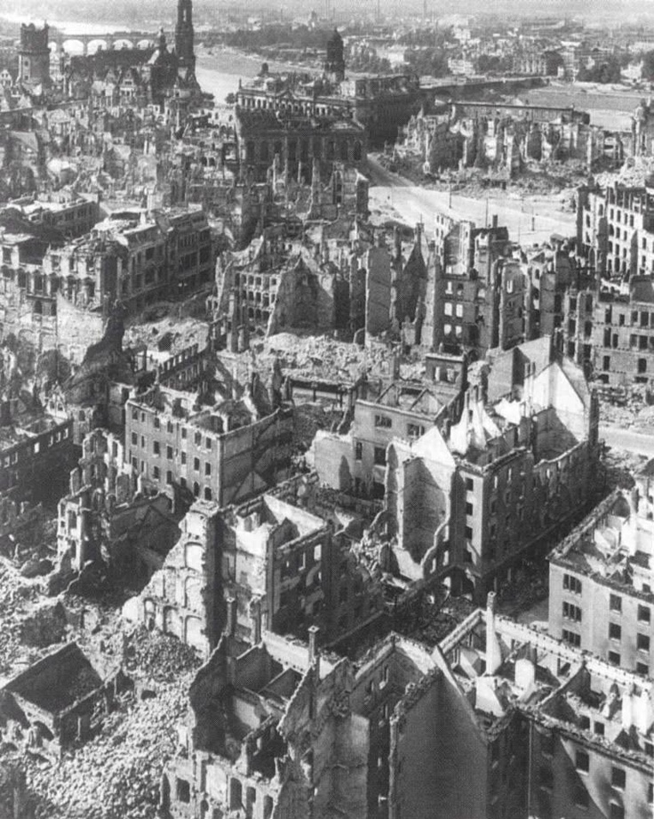 Bombed-out Dresden - May 1945   AKG - Images   Military History, September 2006, p. 35History, High Explosions Bombs, 1945 Akg, Bombed Out Dresden, Incendiari Devices, 25 000 People, Image Military, Wars, 3 900 Ton