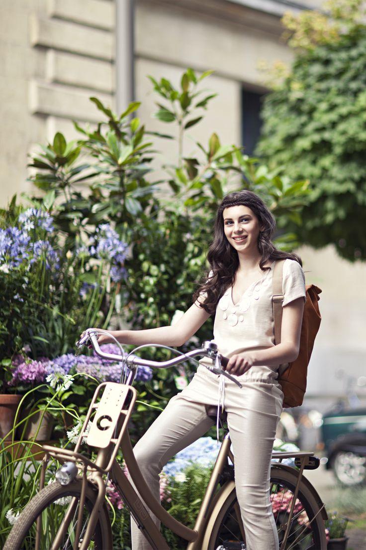 #fashionista #bicycle #design #bike #cortina Stijlgroep #Utility #spring #flowers