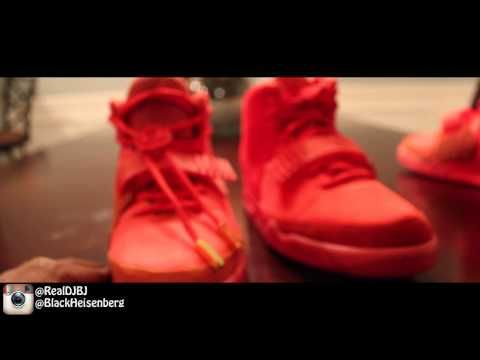 "Real vs. Fake Air Yeezy 2 ""Red October"" Full Comparison - http://maxblog.com/1945/real-vs-fake-air-yeezy-2-red-october-full-comparison/"