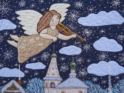 Купить или заказать Панно 'Рождественский ангел' в интернет-магазине на Ярмарке Мастеров. Лоскутное панно на мою любимую тему 'Ангел в небе'. Зимняя рождественская история). Мягкий снежок, тишина) и нежная музыка. Где-то играет скрипка.....далеко.....высоко).