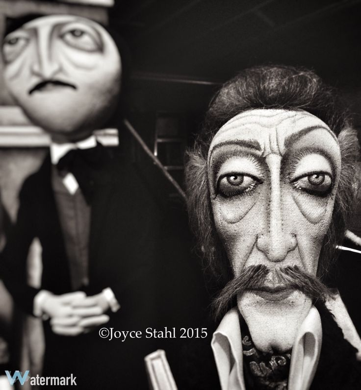 Original Vincent Price and Edgar Allan Poe Art dolls created by Joyce Stahl Enchanted Productions #GhoultideGathering2015 www.ghoultidegathering.com