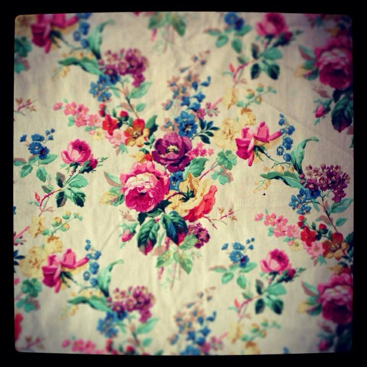 Sarah Moore-Just love this old fashioned pattern...charming!